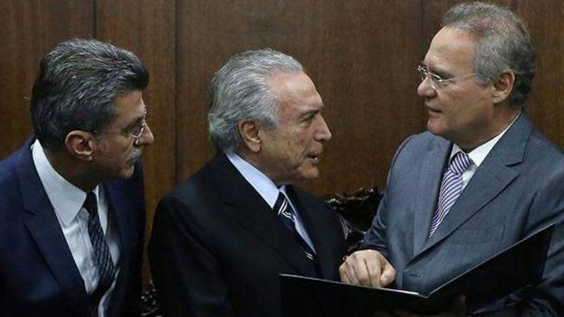 Fiscal lanza bomba institucional en Brasil al ordenar detenciones de miembros del Gobierno interino.