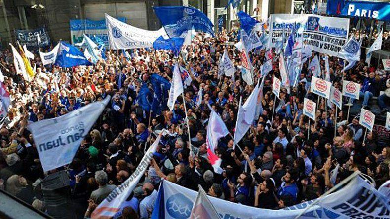 Sólo sindicatos y organizaciones formales pueden llamar a huelgas.