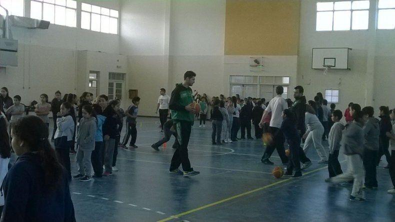 El Verde inserta el Mini Básquet en las escuelas