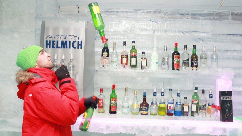 El Calafate no le escapa al frío con sus bares de hielo