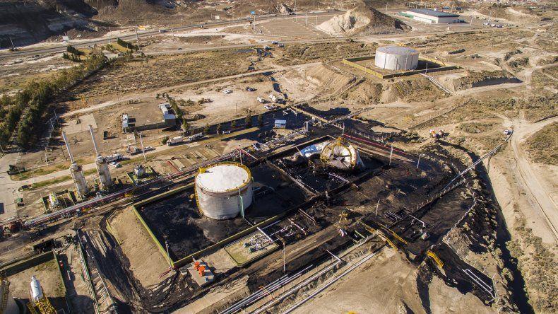 El colapso que se produjo el año pasado en un tanque de la Planta Deshidratadora de YPF en Kilómetro 9.