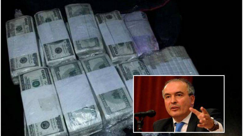 Detuvieron a ex funcionario con bolsos repletos de dólares y un arma