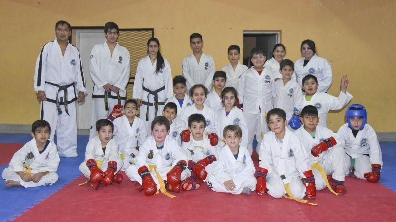 Parte de la delegación de Taekwondo Patagonia que participará en el Panamericano.
