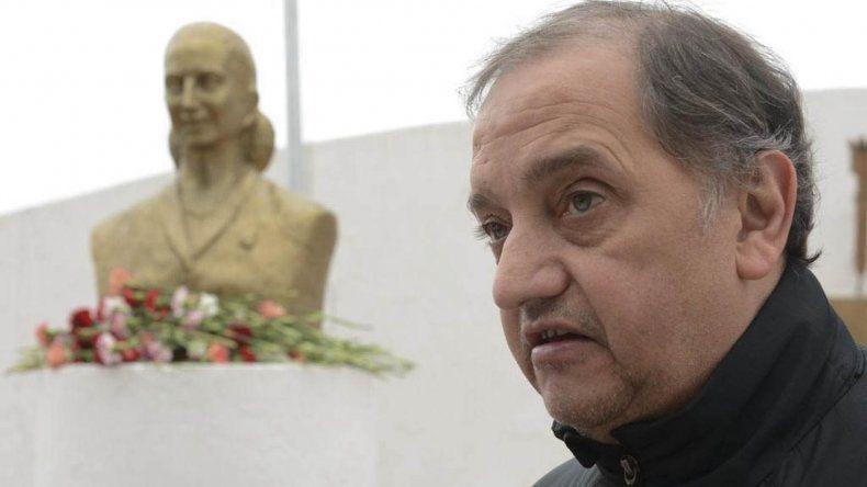 Linares toma distancia de candidaturas para 2019
