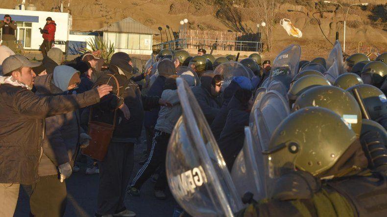 Municipales de Caleta enfrentaron en la ruta a tropas de Gendarmería