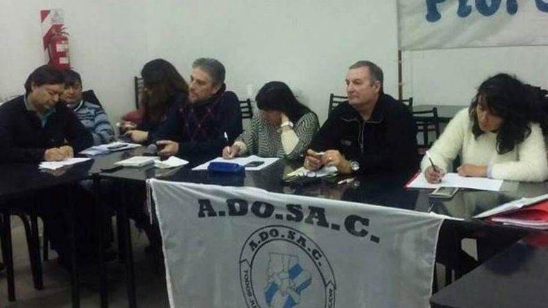 Los congresales de ADOSAC resolvieron aceptar la última propuesta salarial