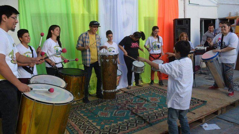 La realización de talleres constituye una de las principales actividades de los centros culturales.