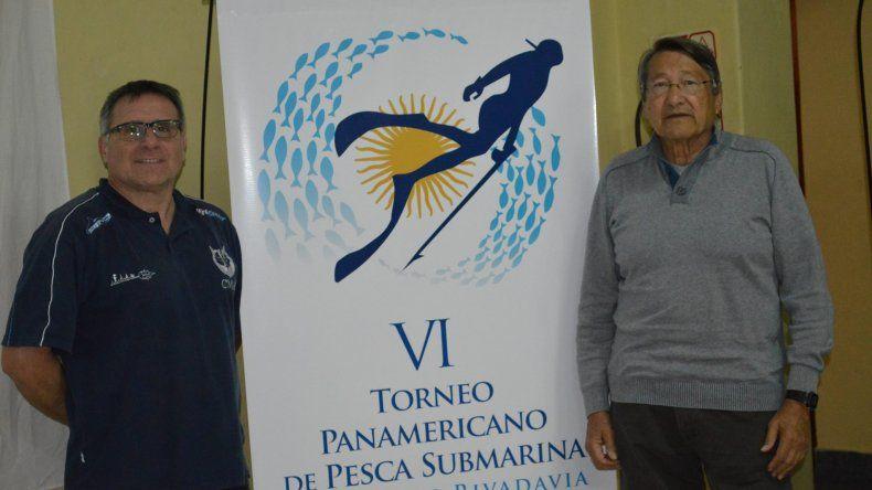 Héctor Durbas –der– de Náutico YPF junto a Antonio Cruz de CMAS.