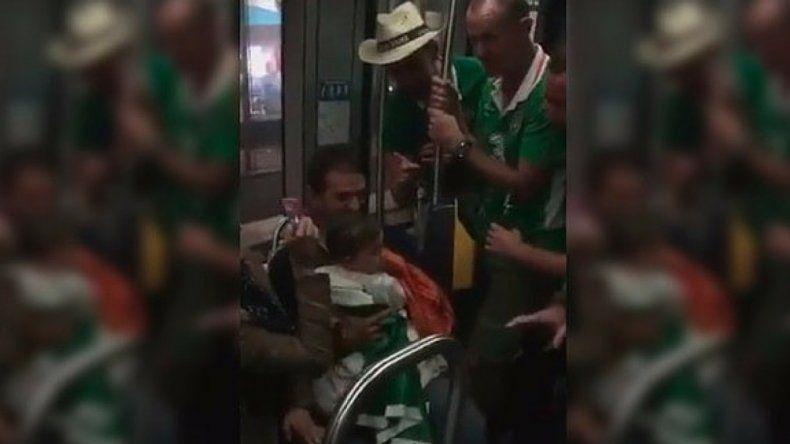 Hinchas irlandeses cantan canción de cuna a un bebé