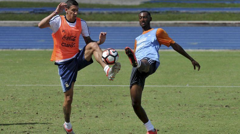 Angel Di María mostró una óptima mejoría en la práctica de ayer y se encamina para volver como titular en la final de la Copa América.