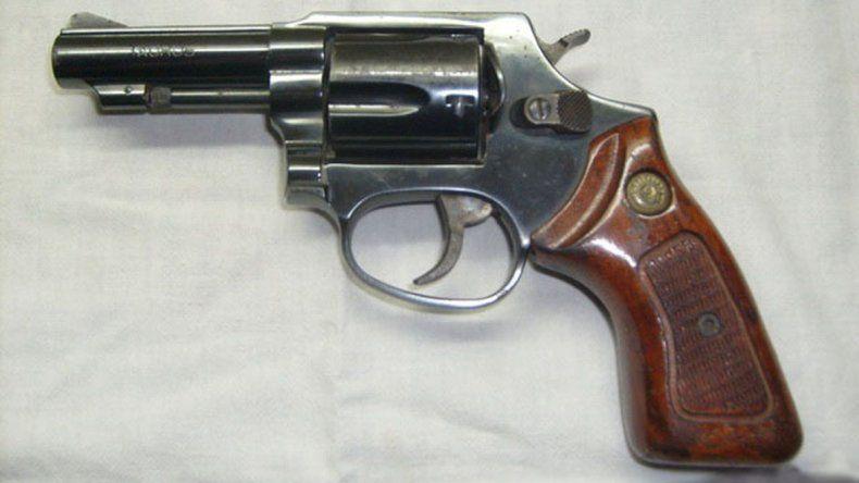 Un revólver similar a este le había sido incautado a Vargas en un allanamiento.