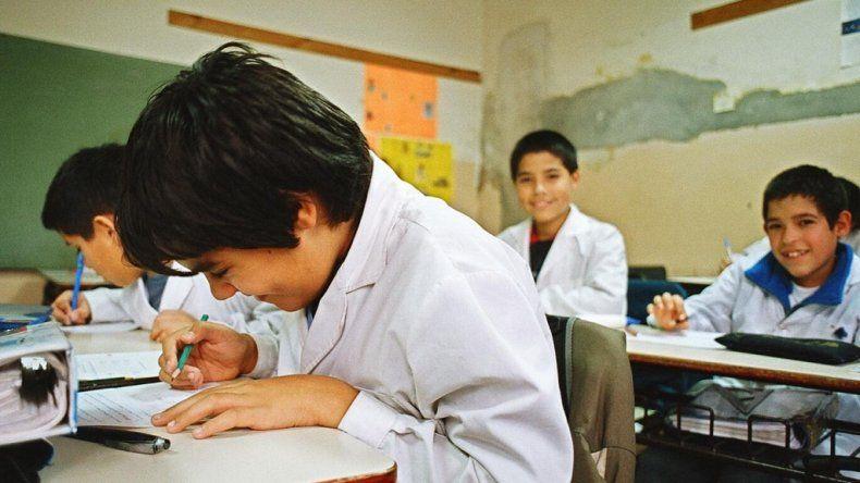 Docentes amenazan con no iniciar las clases en todo el país