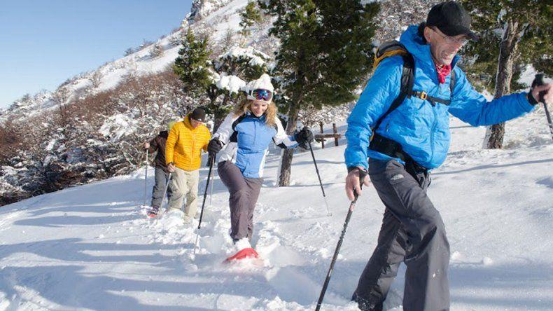 Caminatas con raquetas, esquí de travesía y adaptado entre las ofertas de La Hoya