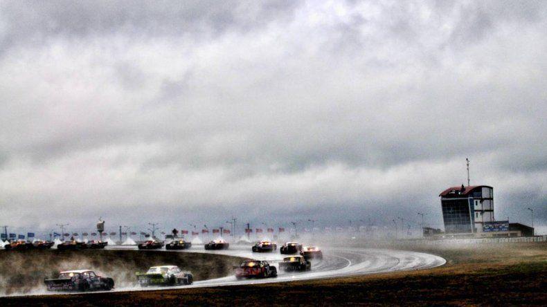 La final del TC Pista se corrió bajo la lluvia ayer en Concepción del Uruguay.