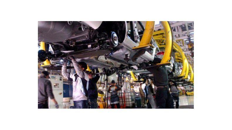 Preocupación en industriales por la caída en la actividad: ni en 2017 habrá reactivación