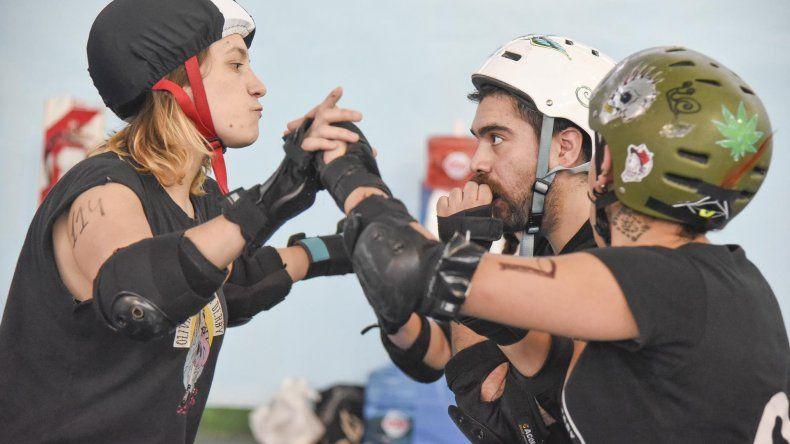 El Roller Derby vivió cuatro jornadas de intensa actividad en el SUM de la Escuela 211.