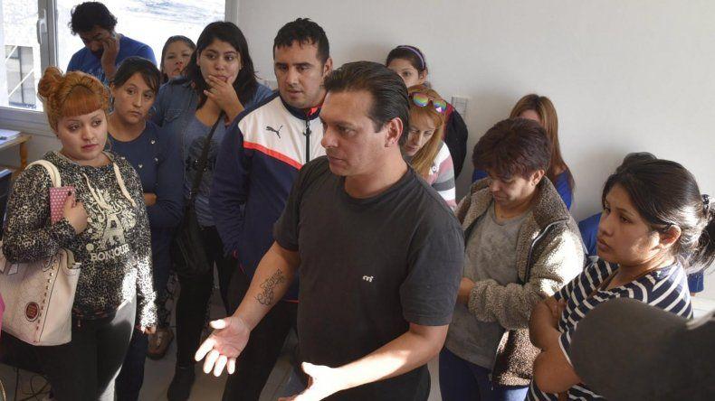 Un grupo de padres asistió a la Secretaría de Planificación para exigir al municipio que acelere los trámites para que la institución sea habilitada por el CPE.