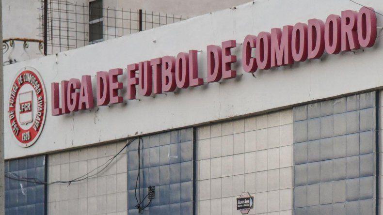 La Liga de Fútbol no programará el inicio del segundo semestre si los clubes mantienen la deuda.