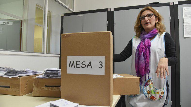 El lunes abrirán las urnas para comenzar a contar los votos y saber qué nombre llevará la Escuela 221 de Standart Norte.