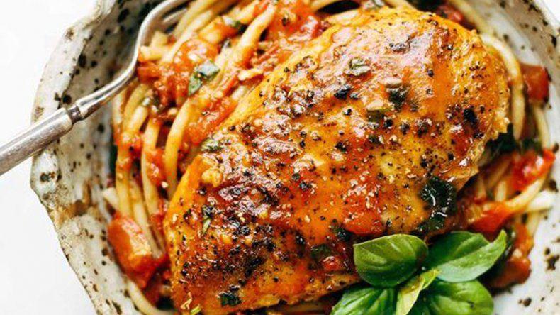 Ziti con estofado de pollo