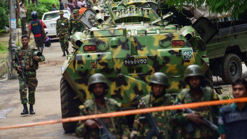 El Ejército de Bangladesh desactivó la toma de rehenes en Daca.