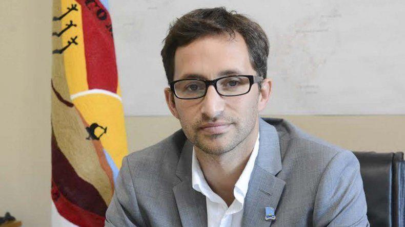 Germán Issa Pfister es el funcionario celoso de los ingresos.