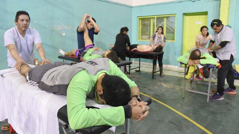 Un espacio para la recuperación de corredores contempló el gimnasio municipal Manuel Belgrano.