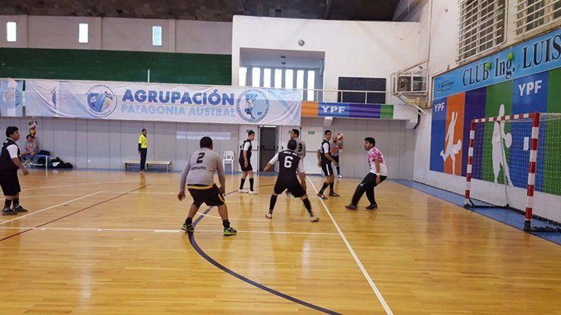 Siete partidos se jugaron el último domingo en el Complejo Huergo.