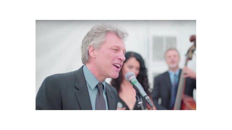 Lo invitaron a un casamiento y lo obligaron a cantar uno de sus hits