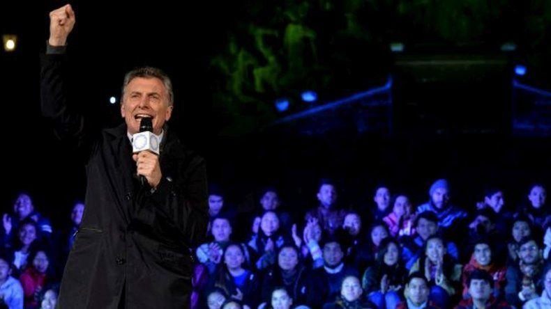 Macri justificó tomar decisiones duras en la vigilia del Bicentenario