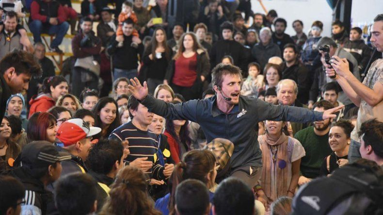 Casi medio millar de personas bailaron al ritmo del Choque Urbano