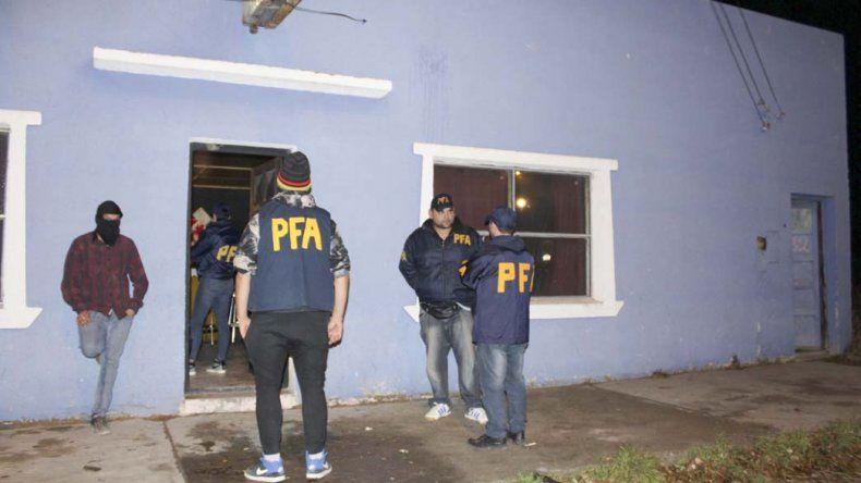 Uno de los operativos que la Policía Federal realizó en locales nocturnos de Puerto San Julián.