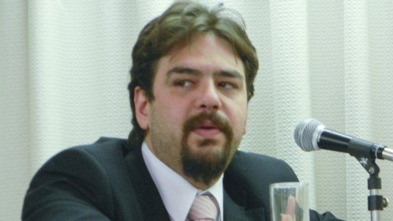 El concejal Almirón pidió ser justos en la proporcionalidad de la población que tiene cada ciudad.