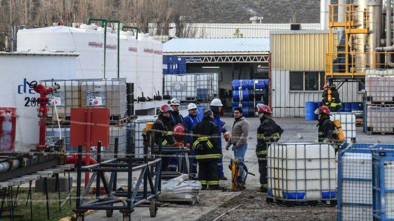 Alarma. La fuga de gases producto de reacciones químicas utilizadas en uno de los silos de la planta de Bolland derivó en un plan de evacuación de los trabajadores.