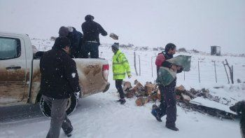 Mejora el clima y continúa la asistencia a pobladores