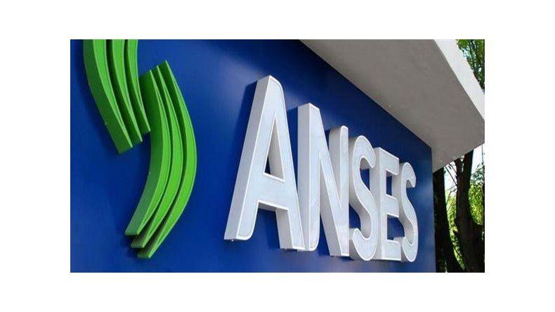 Duras críticas a la utilización de datos personales de ANSeS por el gobierno.