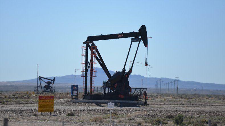 Los petroleros paran en las empresas que desconocen el aumento salarial