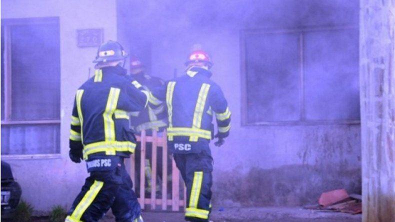 Un vecino rescató a cuatro hermanitos de un incendio