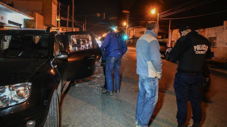 La Renault Duster del trabajador jerárquico de la SCPL recibió el jueves en plena tarde dos disparos.