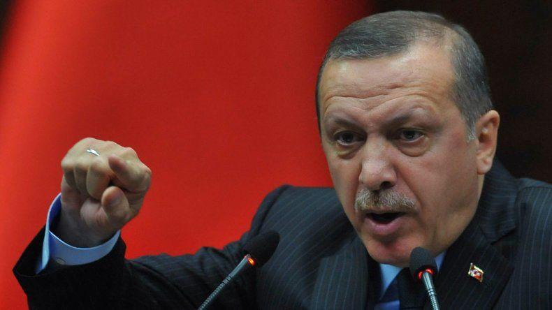 Erdogan convocó a una marcha en Turquía para defender la democracia.