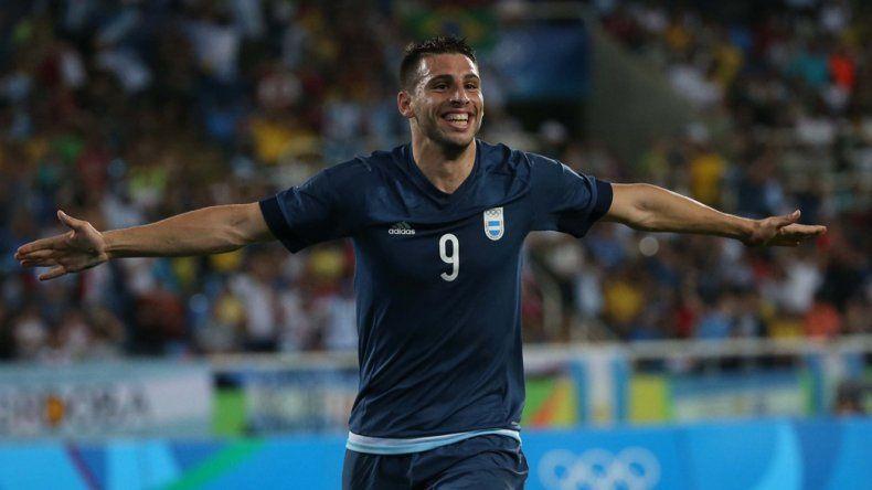 Jonathan Calleri anotó el segundo gol de Argentina