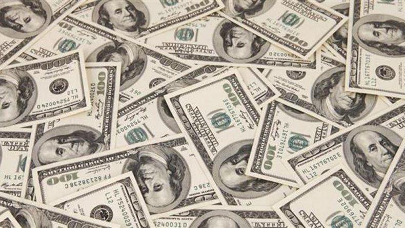 El dólar supera los $ 16 por primera vez en nueve meses