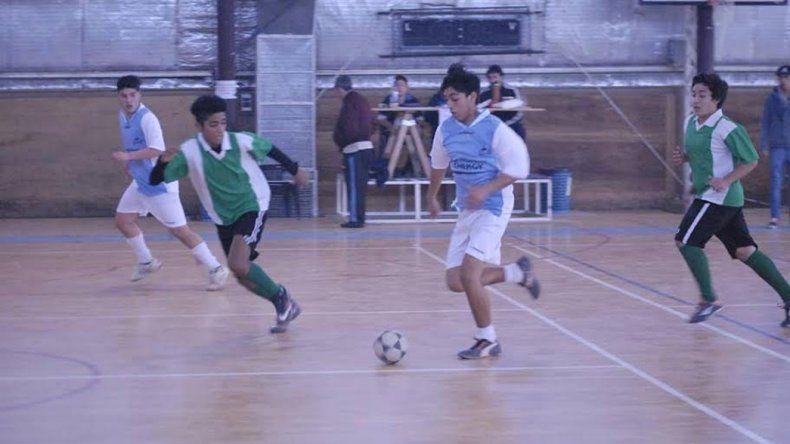 Los Juegos Comunitarios tuvieron un fin de semana con 20 partidos de futsal.