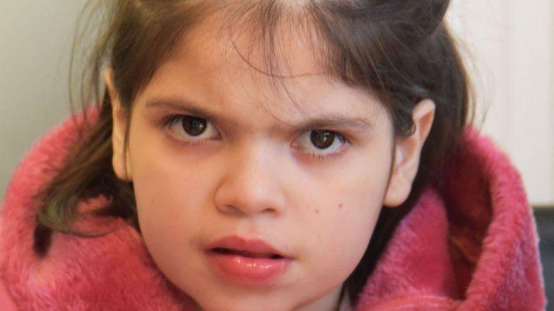 La salud de Micaela mejoró a partir del tratamiento con aceite de cannabis.