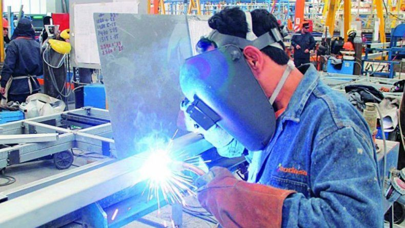 La industria sigue sufriendo el impacto de las medidas económicas tomadas por el gobierno.