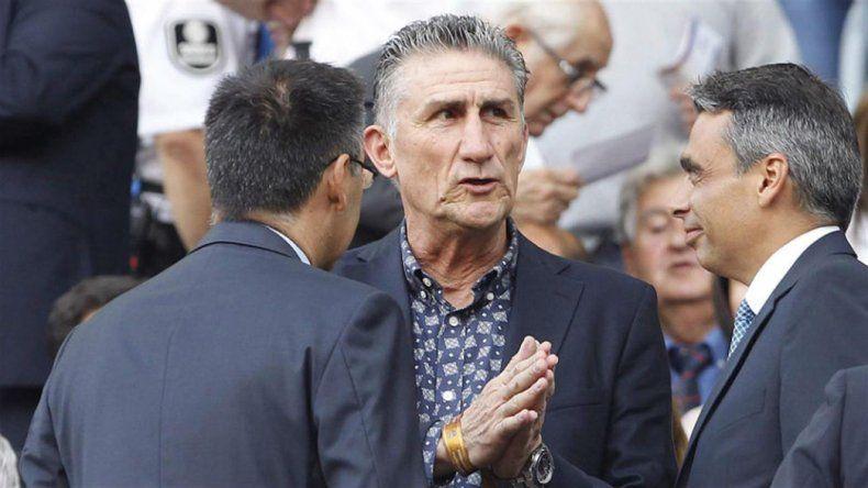Edgardo Bauza durante su visita al Camp Nou del Barcelona para ver a Messi y a Mascherano.