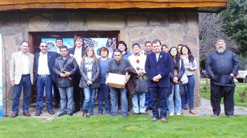 La Universidad Nacional de la Patagonia San Juan Bosco comenzó a brindar una serie de talleres en las comunidades de la Comarca Andina.