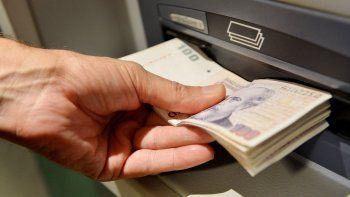 Los trabajadores podrán cobrar el sueldo en cualquier banco