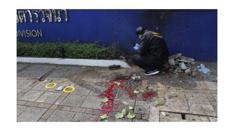 Doce bombas sacuden a zonas turísticas de Tailandia