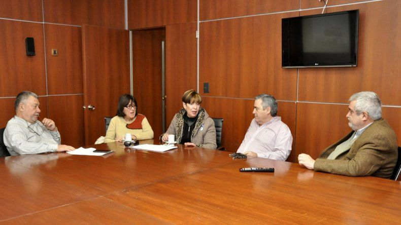 Diputados provinciales recibieron a familiares de víctimas de la Masacre de Trelew.